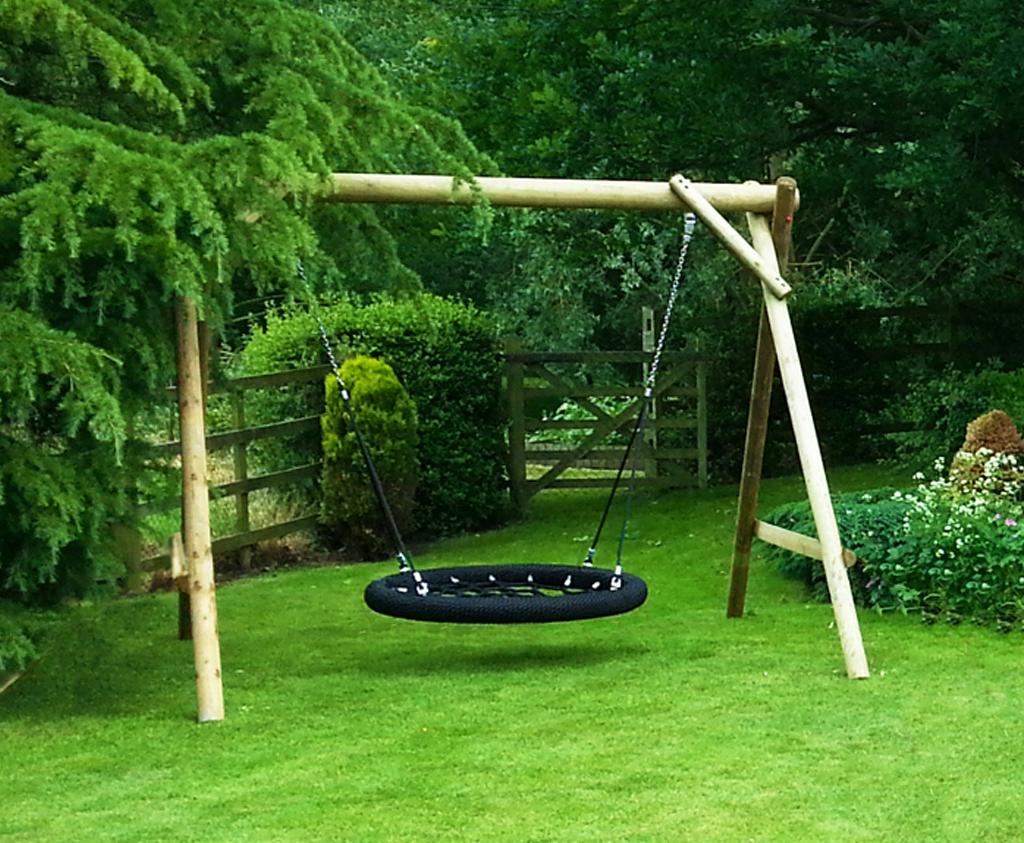 Family basket swing wooden garden play equipment for Diy adult swing set