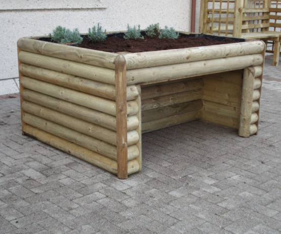 Planter with Wheelchair Access