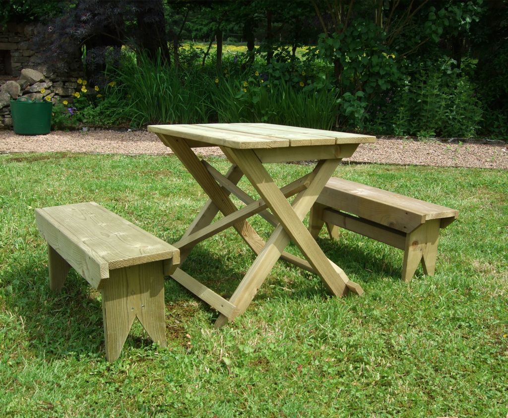 Child 39 S Table And Bench Set Caledonia Play