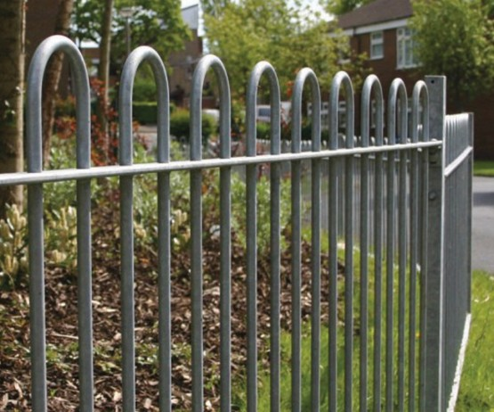 Bow Top Metal Fence for the playground
