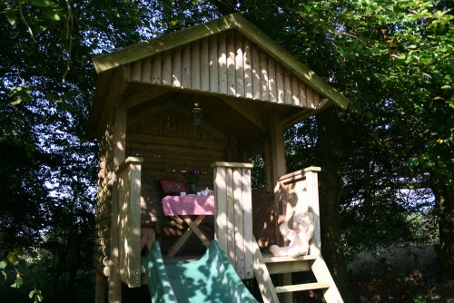 DOM Gallery Garden Play house