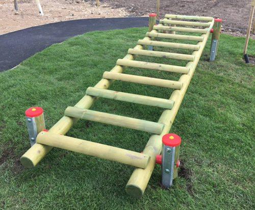 horizontal rising ladder