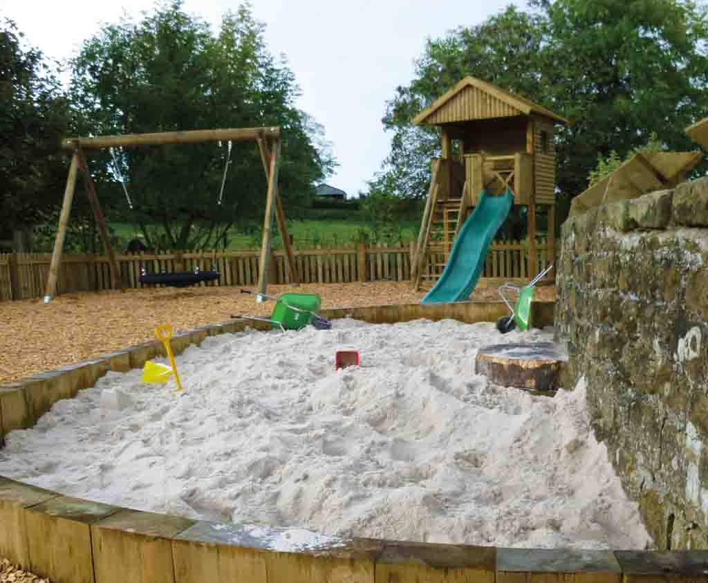 Natural play for schools and nurseries fun with nature for Sand garden designs