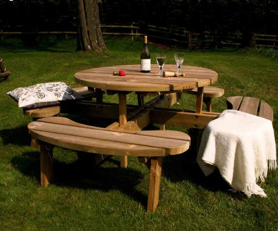 Circular Picnic Table Caledonia Play