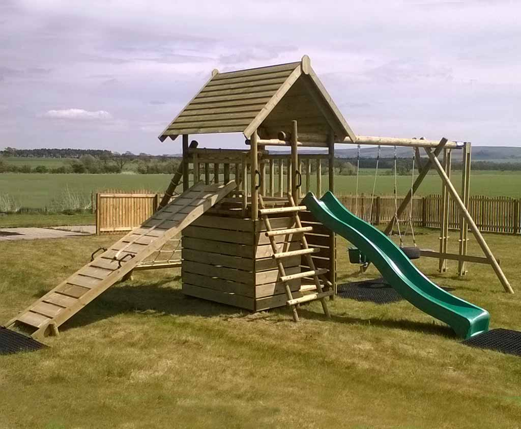 Garden Play Fort with Cargo Net and Swing Extension | Caledonia Play