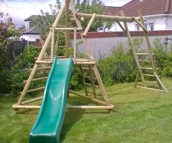 Pyramid Monkey Frame garden play