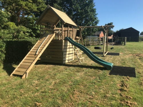 garden play gallery image Fort with bridge and DFX