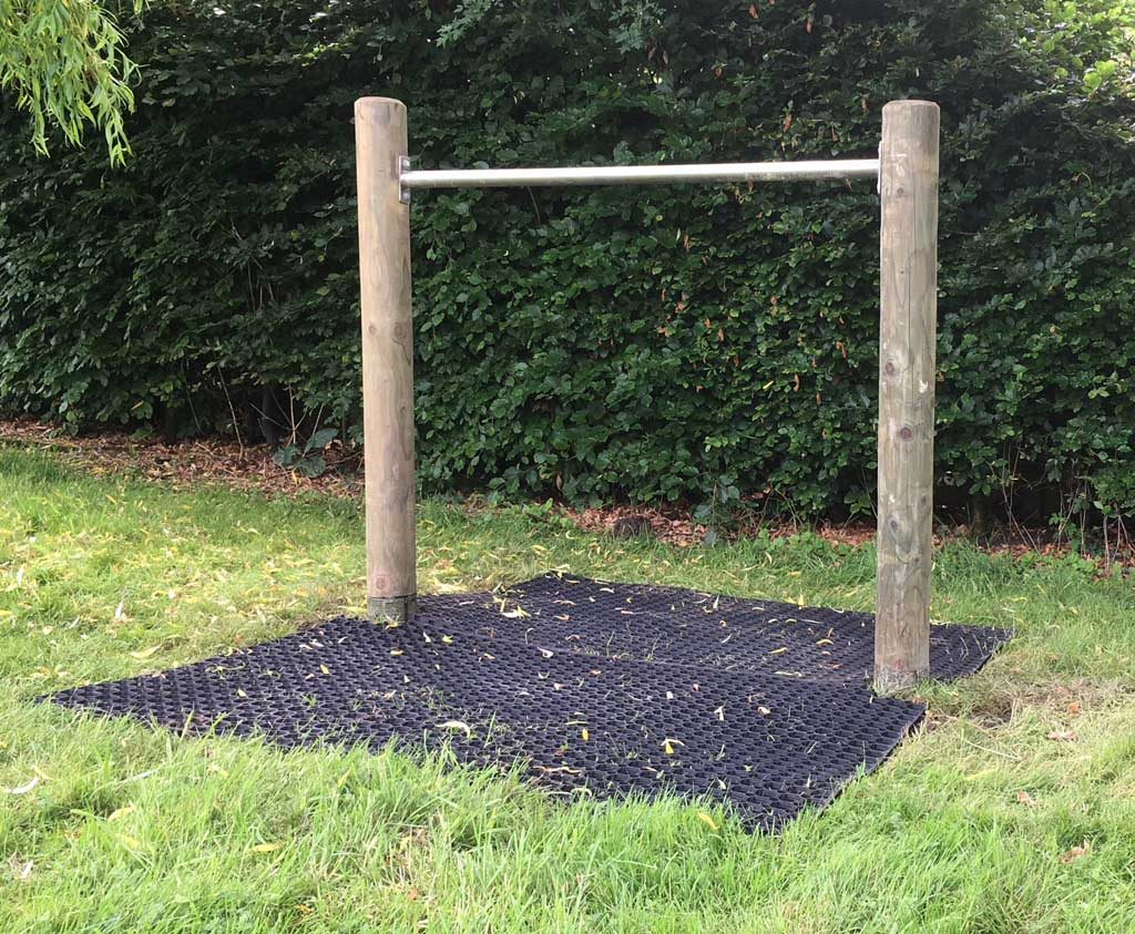 garden play freestanding tumble bar product listing image
