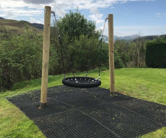 Junior Basket Swing for inclusive play
