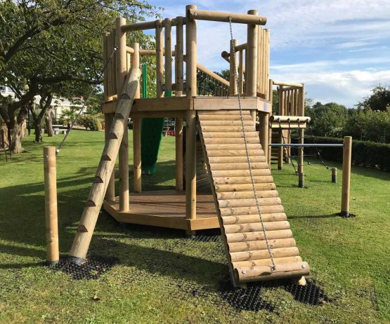 commercial play bespoke tree deck product listing image